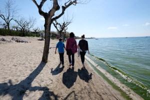 Erster Strand-Spaziergang