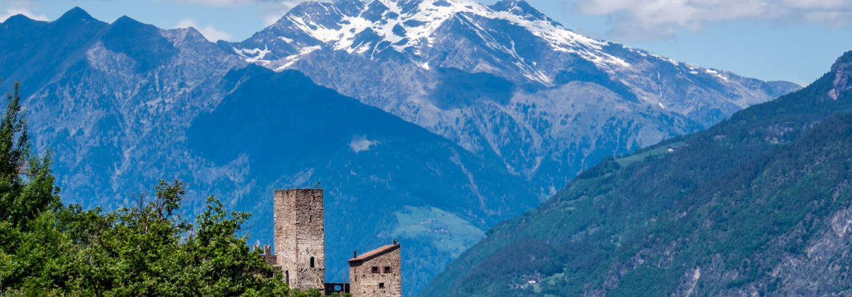 Burg Hocheppan