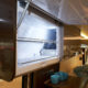 Hobby Van: Kühlschrank im Oberschrank